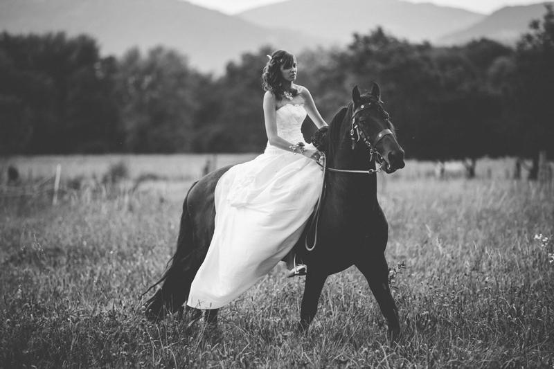 la mariée sur un cheval en moselle