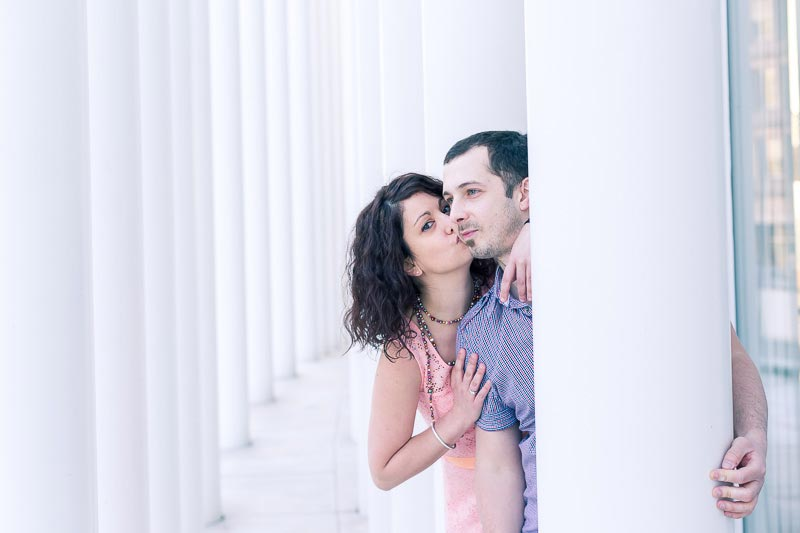 she kisses her love