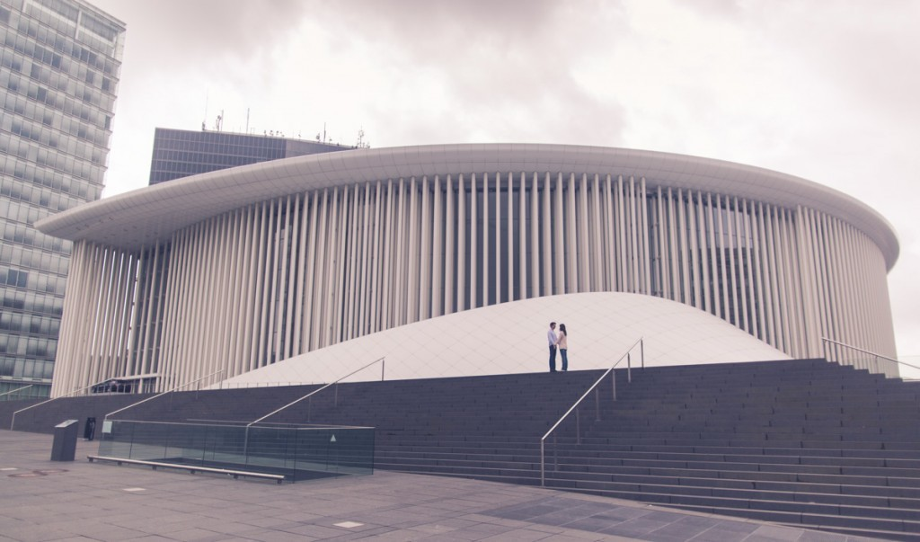 engagement session at the philharmonie