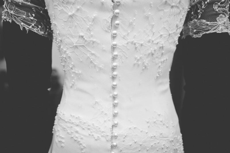 the pearls of the wedding dress