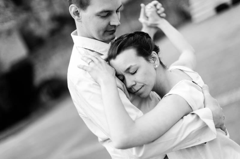 superb photo of dancing couple