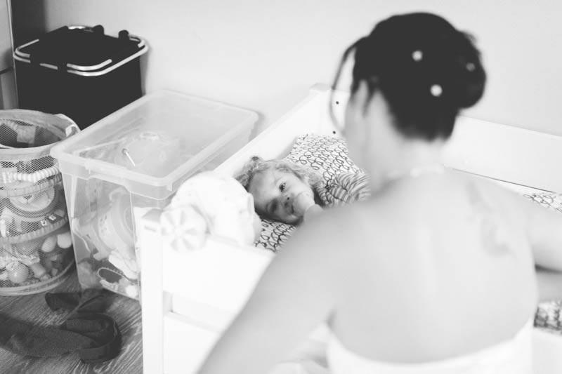la mariée réveille sa fille