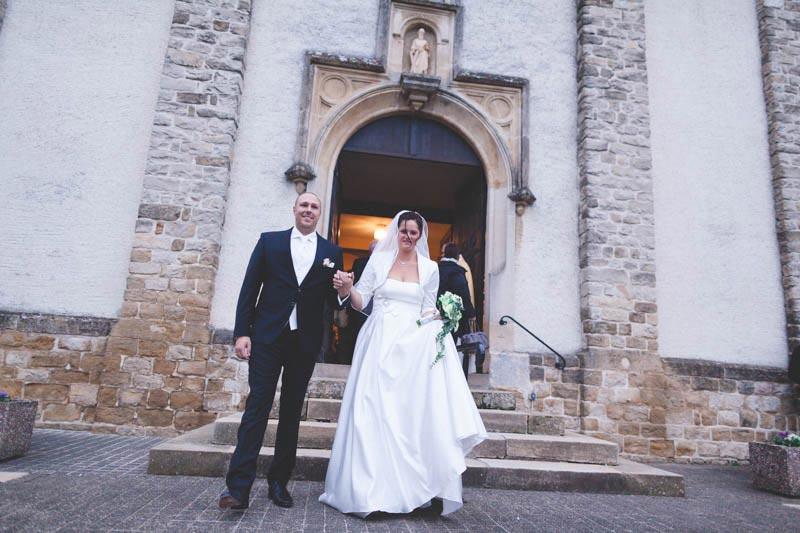 sorties des mariés de l'église d'aspelt