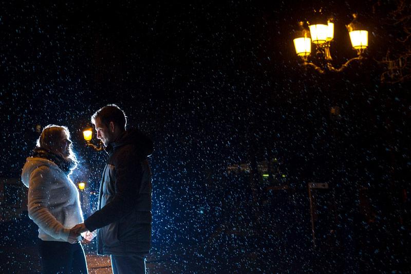 fiançailles sous la pluie