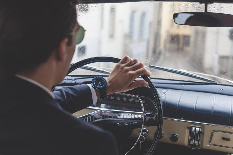 le marié au volant de sa voiture