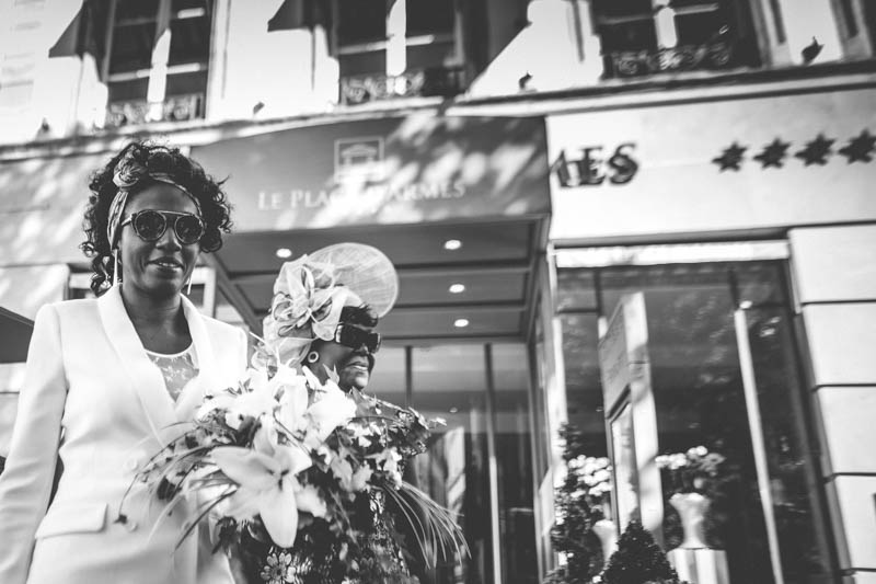 10 african bride in front of hotel place d'armes