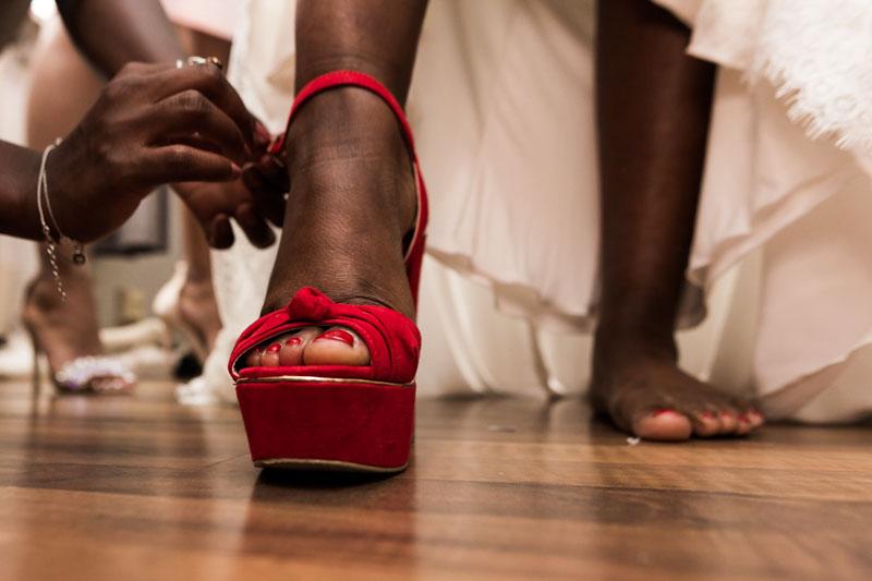 chaussure de mariée rouge et originale