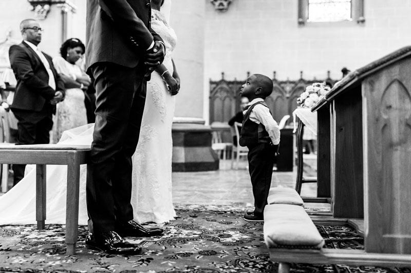 moment drole pendant la cérémonie religieuse