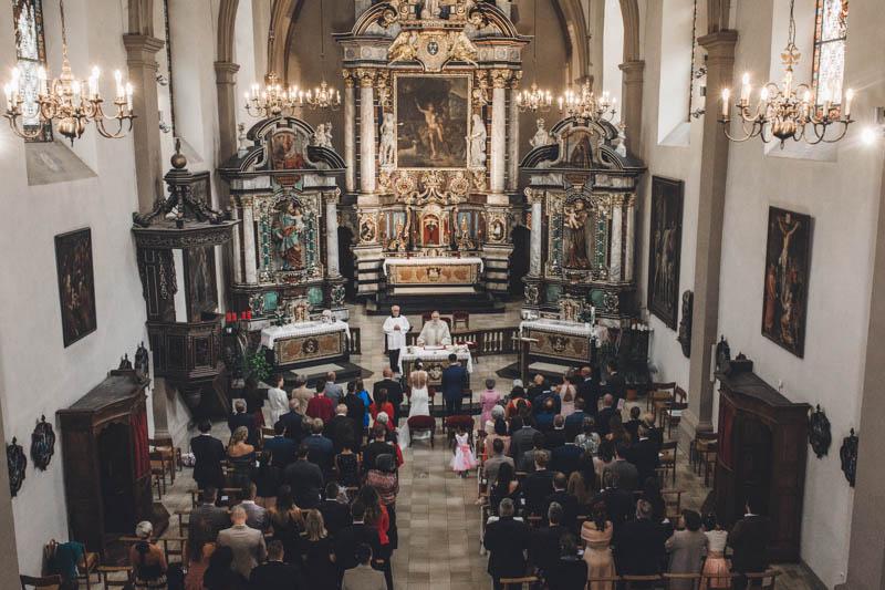 26 photographie de l'intérieur de l'église saint jean du grund au luxembourg