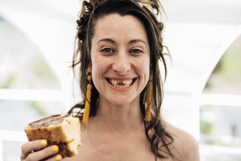bride with nutella in her teeth