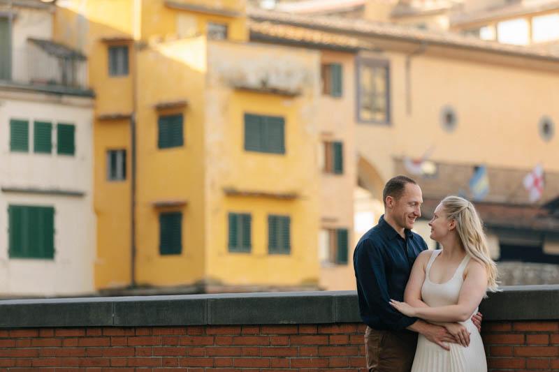 15 photo engagement au ponte Vecchio de florence